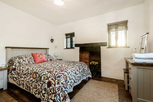 Brookside Cottage Bedroom Featured