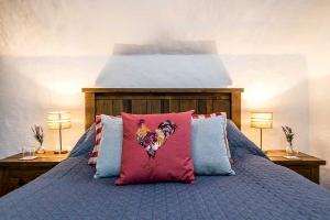 Brookside Cottage Bedroom Featured3