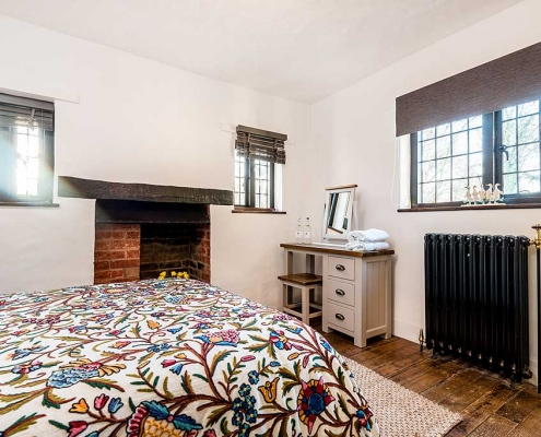 Brookside Cottage Double Bedroom Featured5