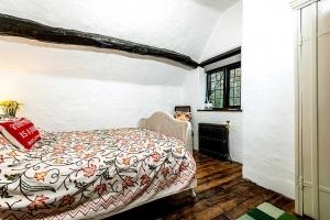 Brookside Cottage Double Bedroom3