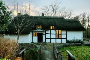 Brookside Cottage Exterior7