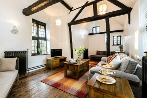 Brookside Cottage Lounge Featured2