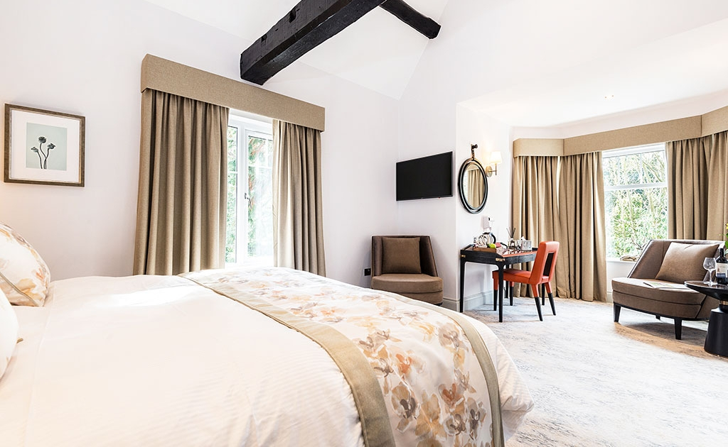 Burnside Executive King Room Featured 1