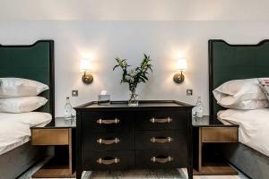 Burnside Suite Twins Bedside Table