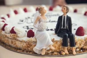 Wedding cake at Burnside Hotel.jpg