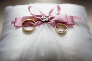 Wedding rings at Burnside Hotel