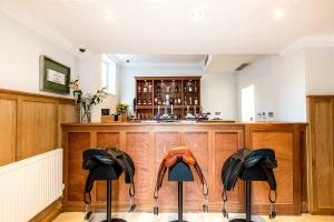 Saddlers Bar